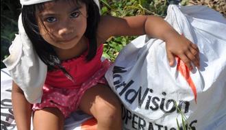 Ayuda de emergencia a los afectados por el tifón Haiyan