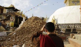 Agua y saneamiento para los afectados por el terremoto de Nepal