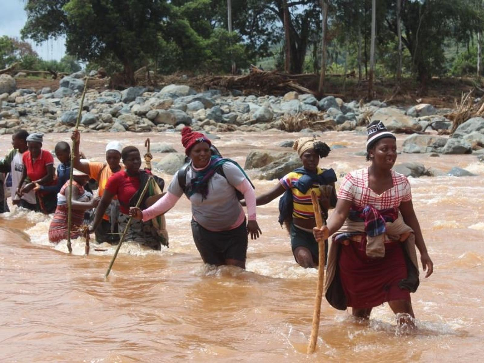 Emergency aid for those affected by Cyclone Idai in