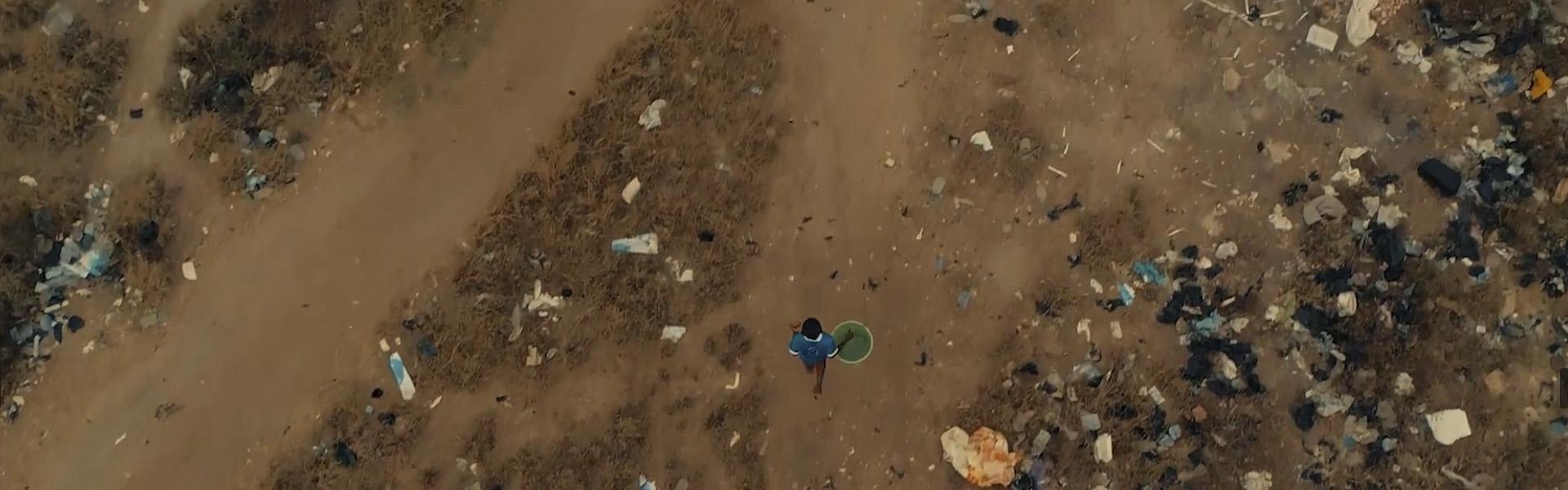 Foto principal oro que empobrece, agua que mata