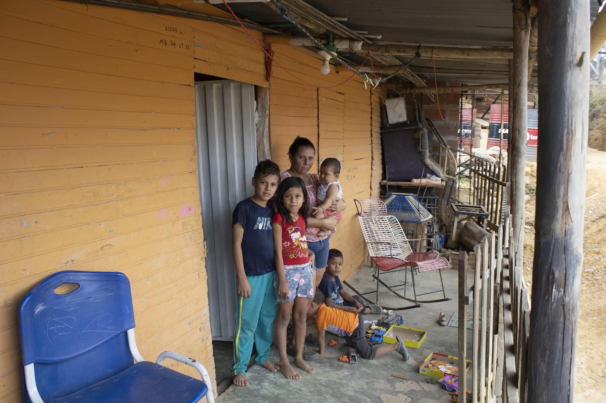 family in Venezuela migratory crisis