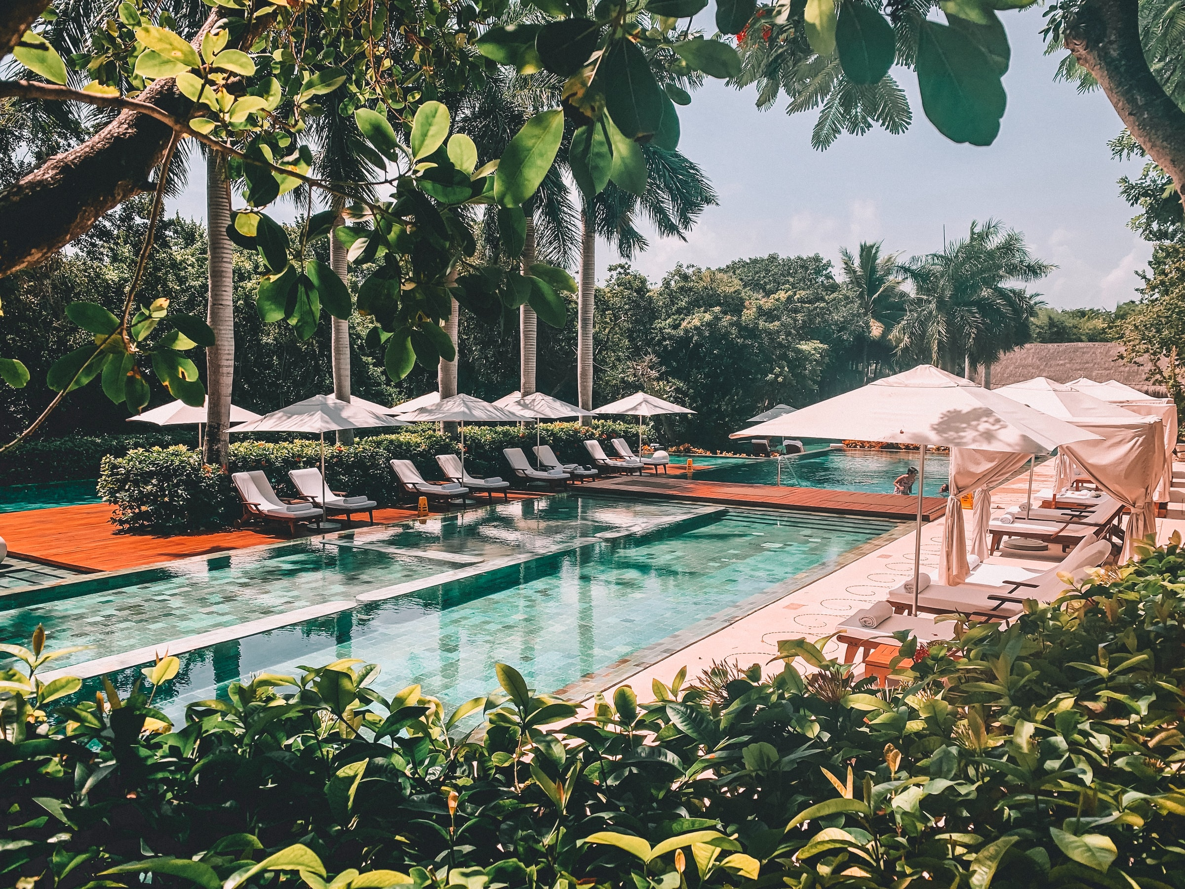 Pool tourism