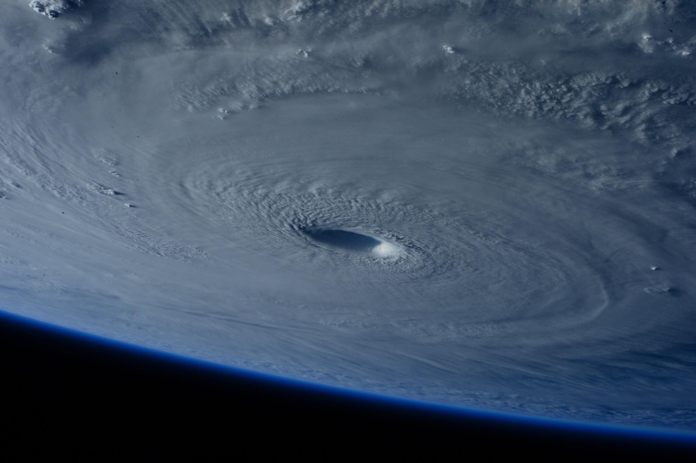 airborne dust hurricanes